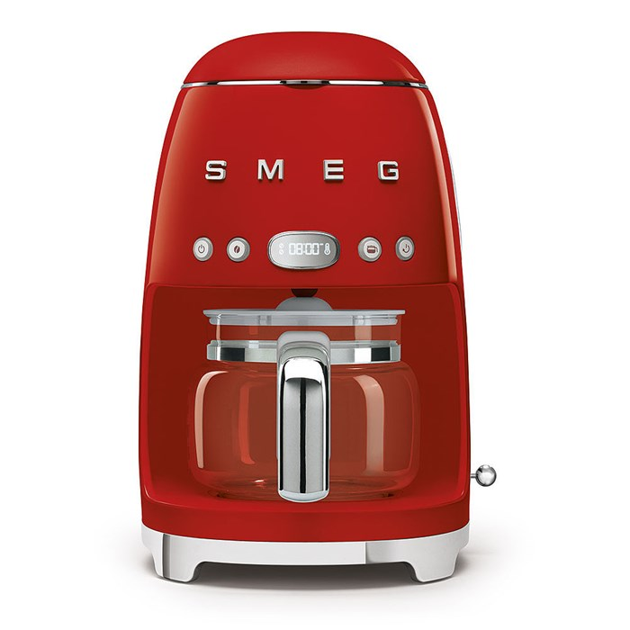 DCF02RDUK Drip Coffee Machine in Red